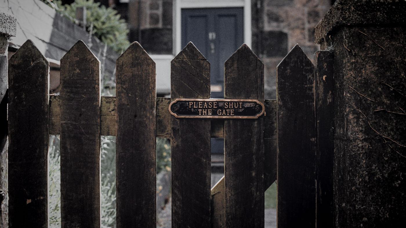 bramka-gate-dom-polityka-prawa